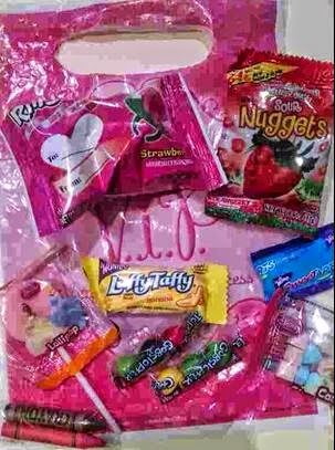 kids birthday party typical party favors